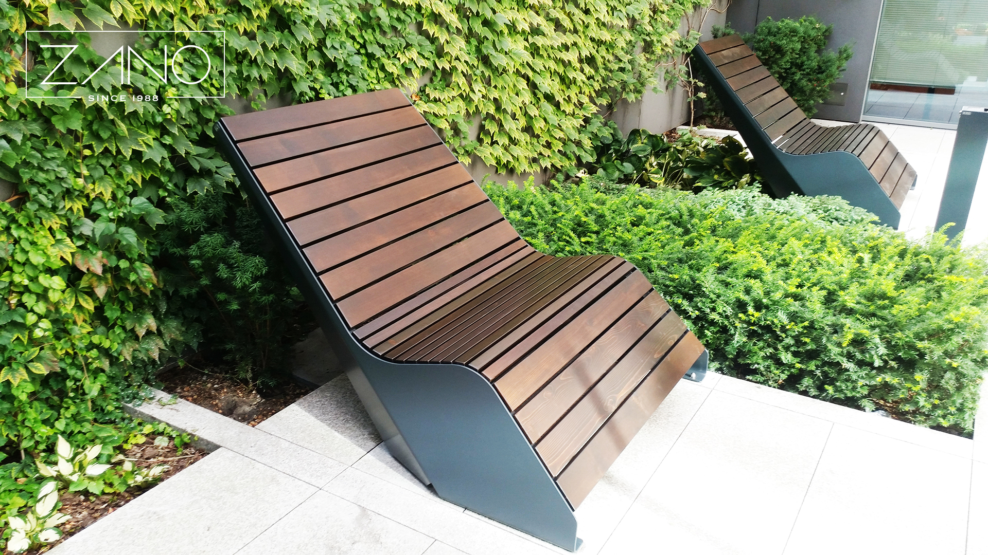 duo-lounger-wood-steel-zano-street-furniture